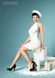 Milky-Pin-Up-calendar-9